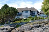 oak bay waterfront house
