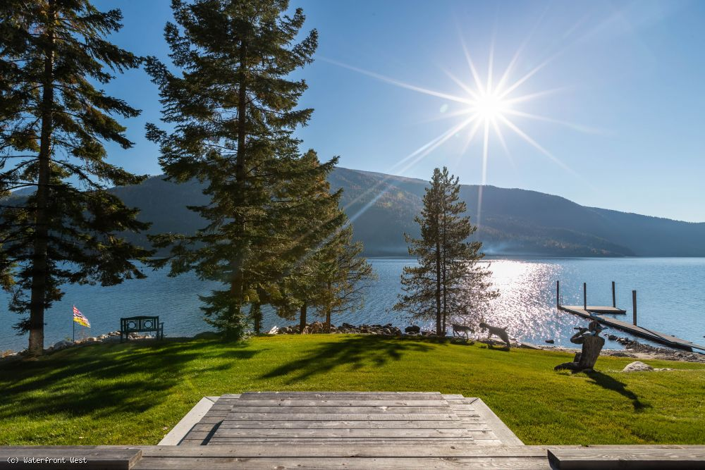 Awe inspiring Kootenay Lake Waterfront